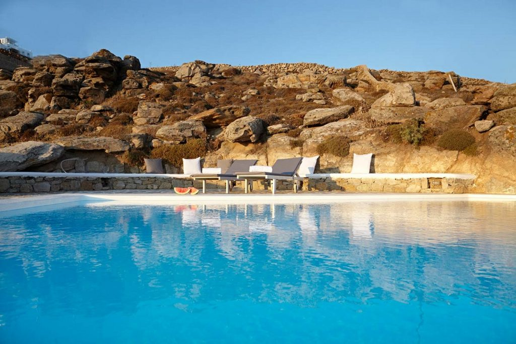 extra comfortable sunbeds to get a perfect tan on Mykonos sun