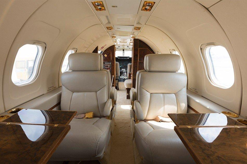 jet with leather seats and windos