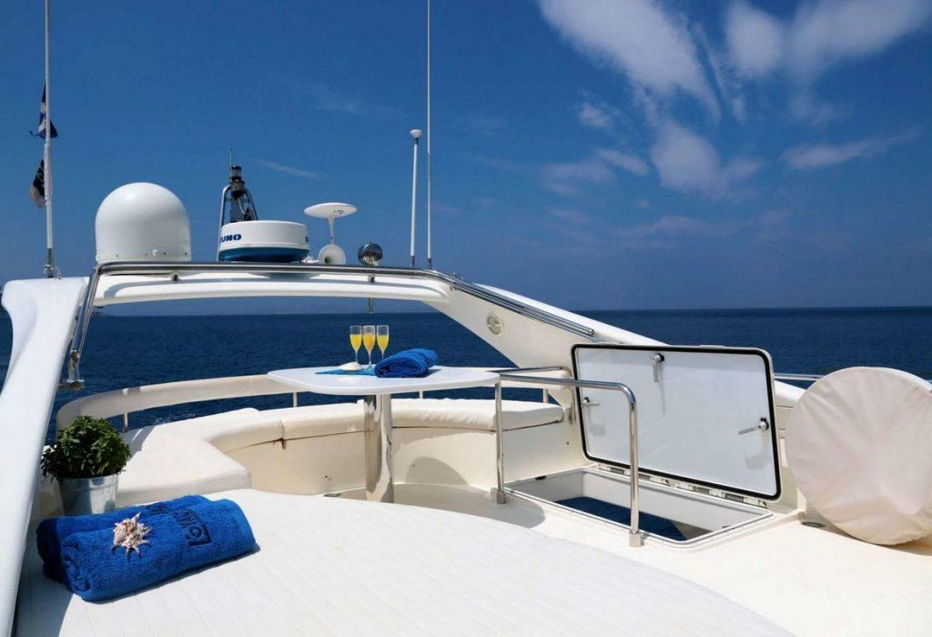 Ferretti 55 Exterior, glasses, towels, deck, flag, juice, stairs, bed