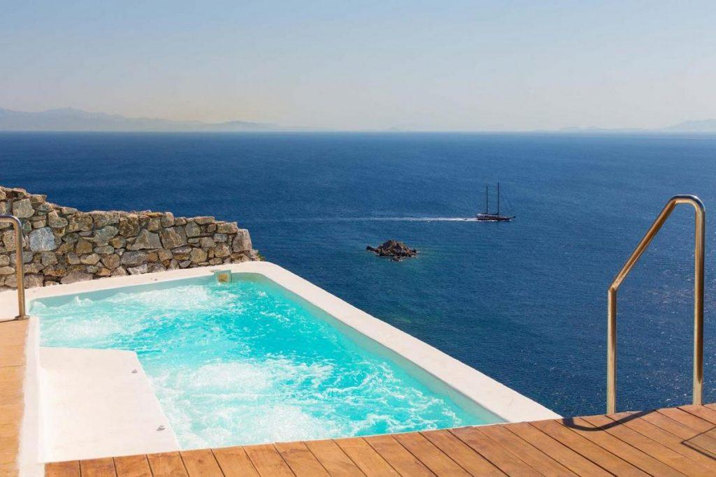 enchanting view of the bright blue sea and clear skies