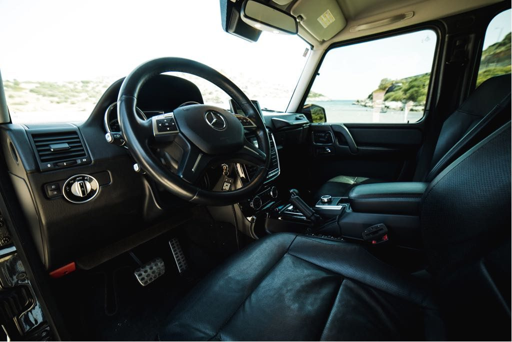 Mercedes G500 Interior 3rd picture