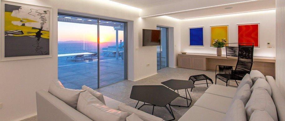 living room with perfectly sea view ideal for rest