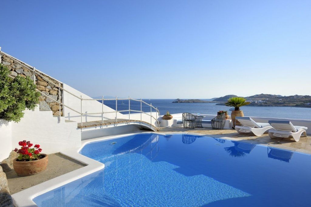 Villa Blue Ornos Mykonos swimming pool, sun bedse