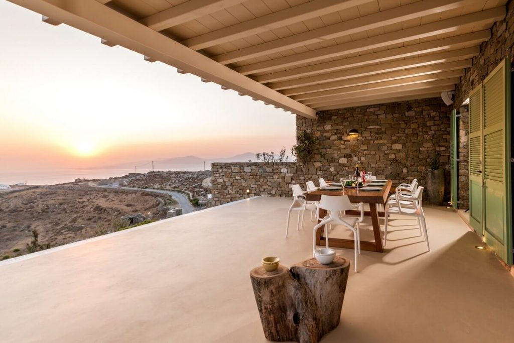 Villa Castello Kastro Mykonos Outdoor dining area and the panoramic view