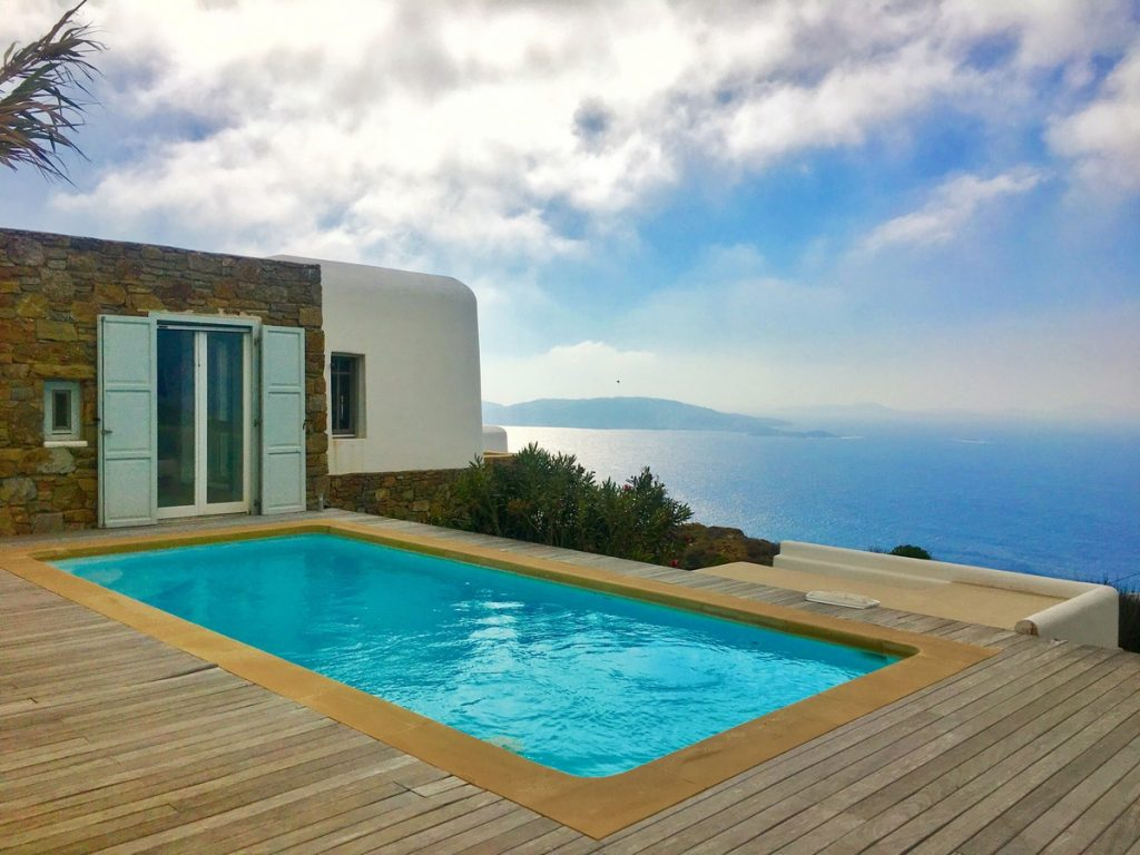 Villa Grace Agios Stefanos Mykonos pool with the panoramic view
