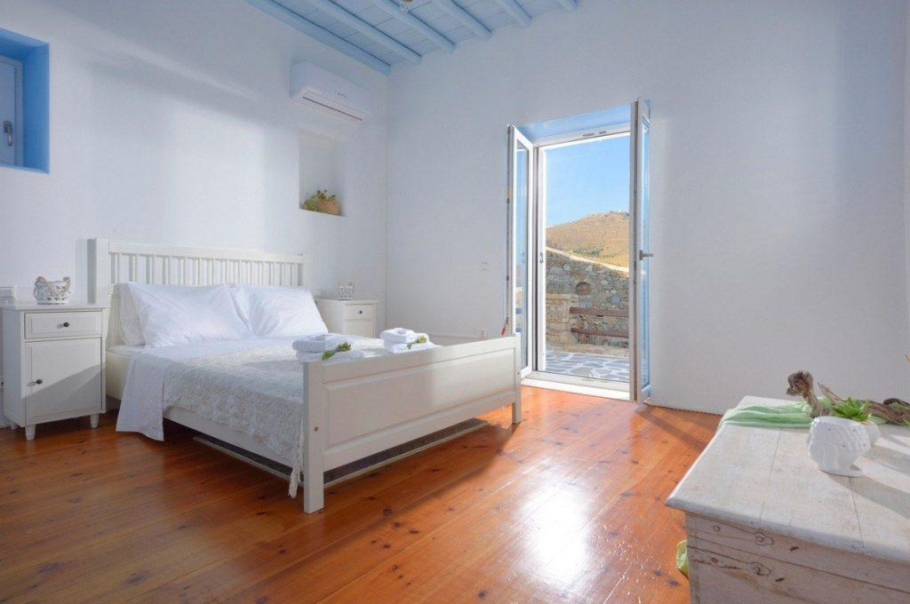 bedroom with air condition and beautiful outside