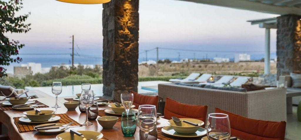 outdoor dining area to eat with family and to enjoy in view