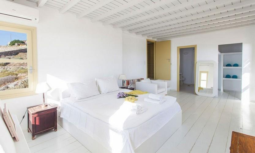 Villa_Cynthia_25.jpg Fanari Mykonos 3rd Bedroom, double bed, pillows, air condition, towels