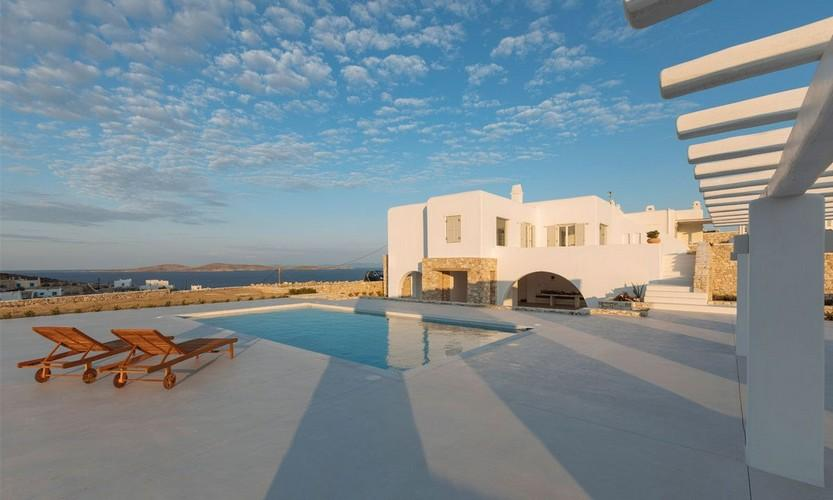 white wall villa and breathtaking sky view