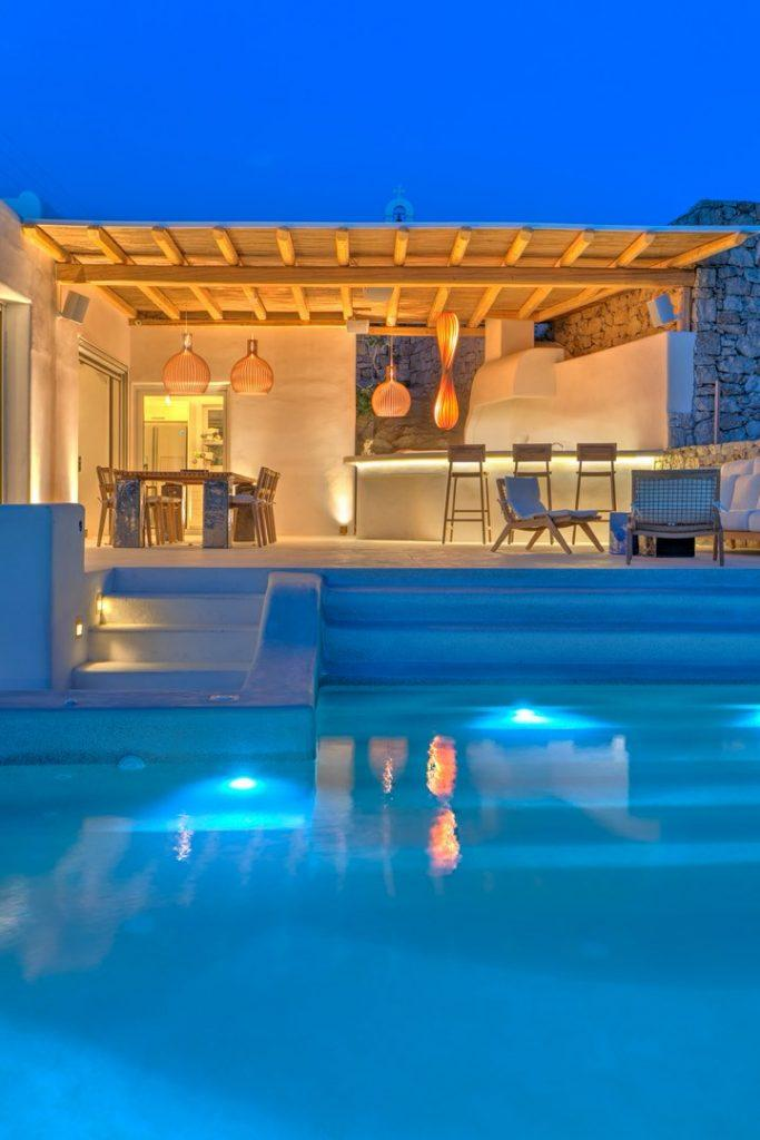 perfect view of the villa by night and its benefits