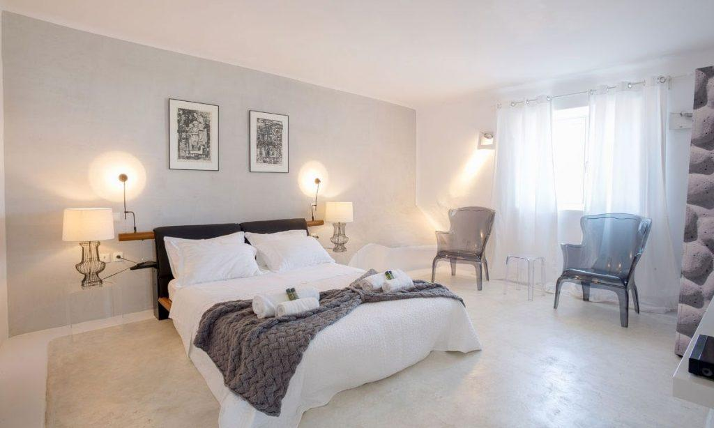 Villa Ida, Super Paradise, Mykonos, Bed, Master bed, Chairs, Curtains, Pictures, Table, Lamps, Pillows, Towels, Windows
