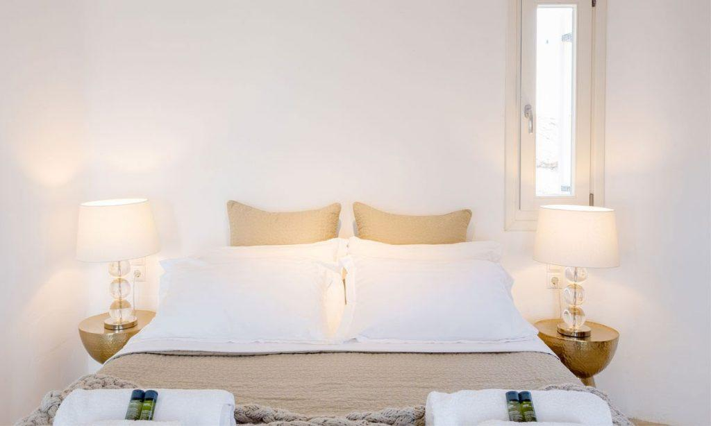 Villa Ida, Super Paradise, Mykonos, Bed, Master bed, Pictures, Table, Lamps, Pillows, Towels, Windows, Window