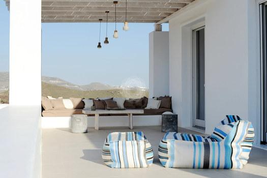 Villa_Lenard_03.jpg Panormos Mykonos Outdoor, climbers, bench, pillows, lamp