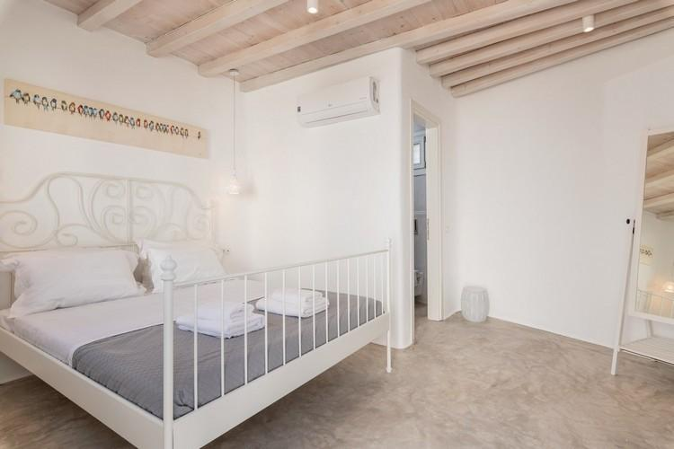 Villa_Madona_21.jpg Tourlos Mykonos 2nd Bedroom, double bed, pillows, towels, air condition