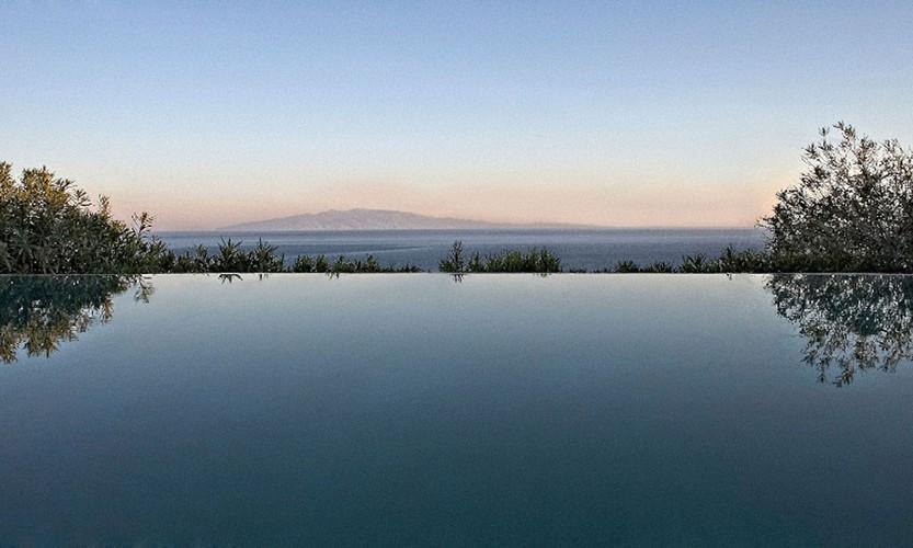 outdoor with infinity pool and beautiful sea view