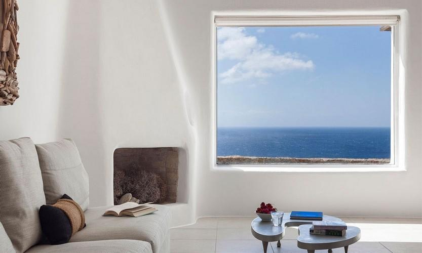 living area with huge mirror and satisfying horizon sea view