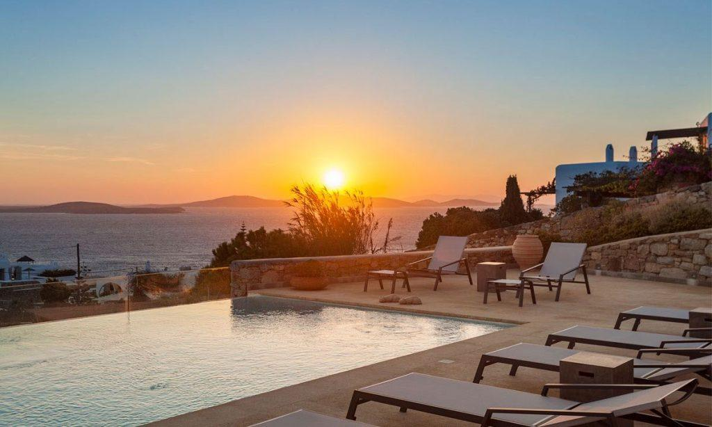 Villa-Agda_08.jpg Agios Ioannis Mykonos, outdoor resting area, climbers, pool, sunset, sea, sky, horizon