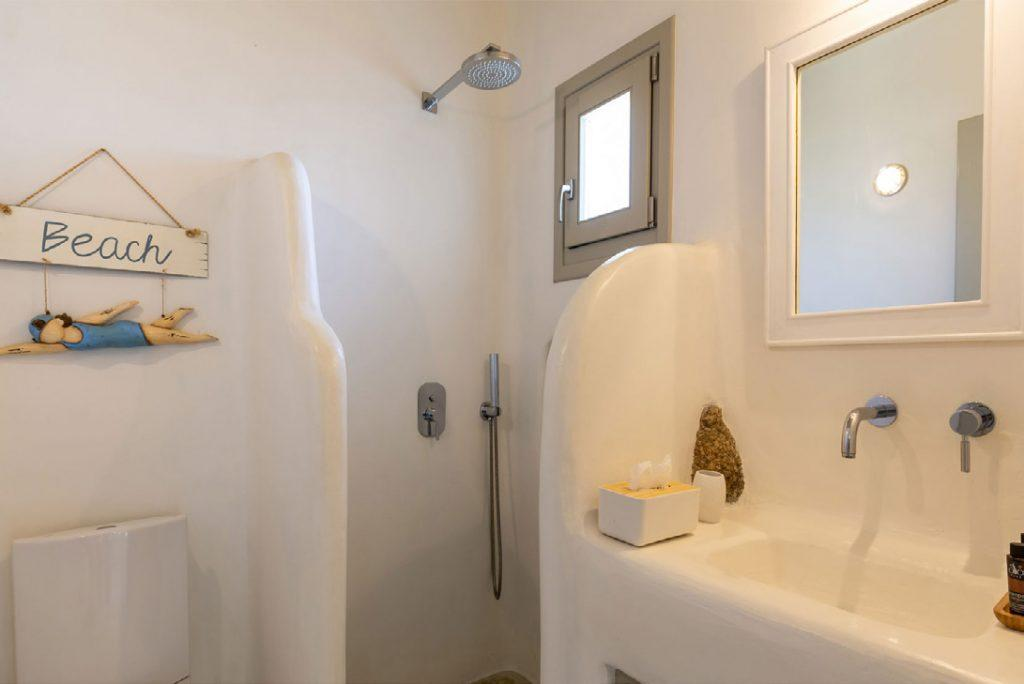 Villa-Camelia_35.jpg Agrari Mykonos, 3rd bathroom, shower, toilet, mirror, washstand, soap