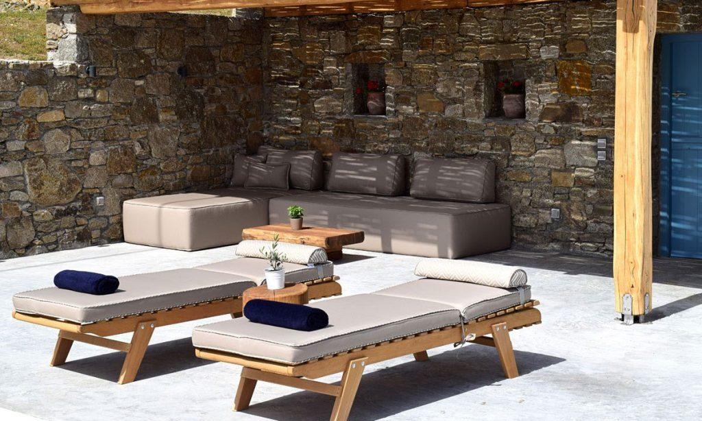 outdoor area for hanging out or sunbathing on climbers
