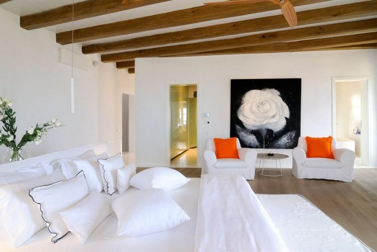 bedroom with beautiful paint with a white rose theme