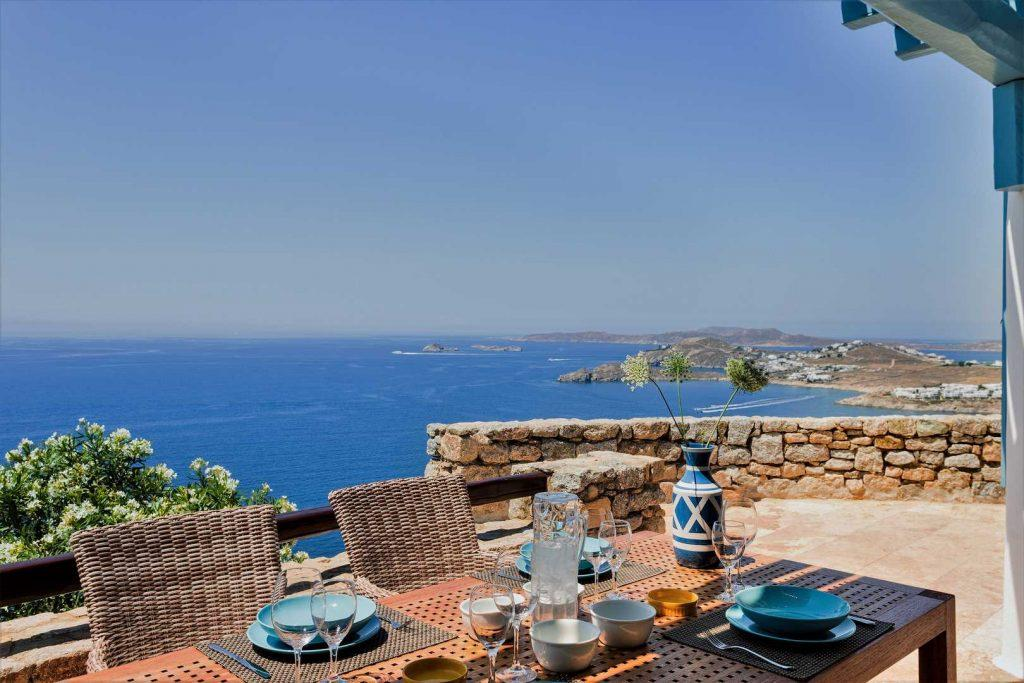 ideal for casual lunch or dinner with loved ones and with amazing view of the sea