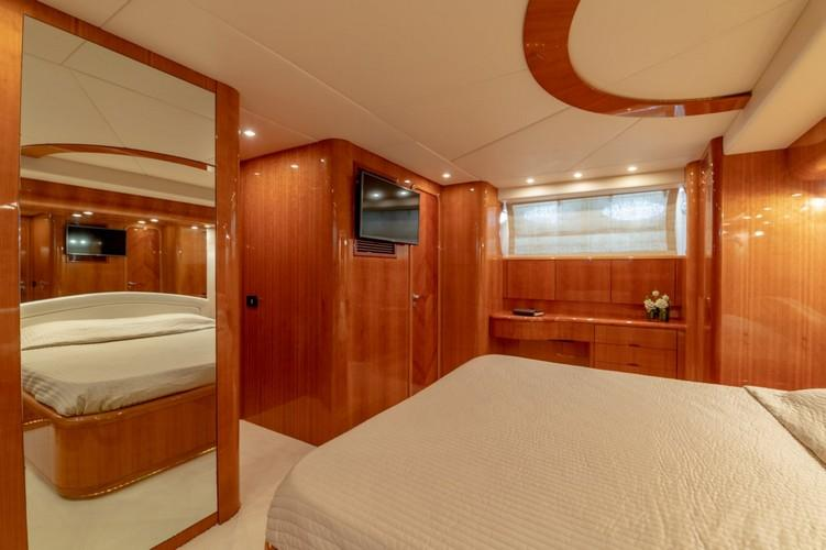 Yacht_VenusSecret_11.jpg Mykonos 3rd Bedroom, mirror, bed, flat screen tv