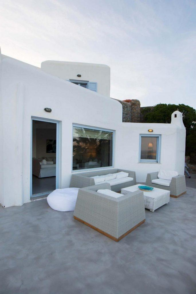 white villa for an unforgettable vacation