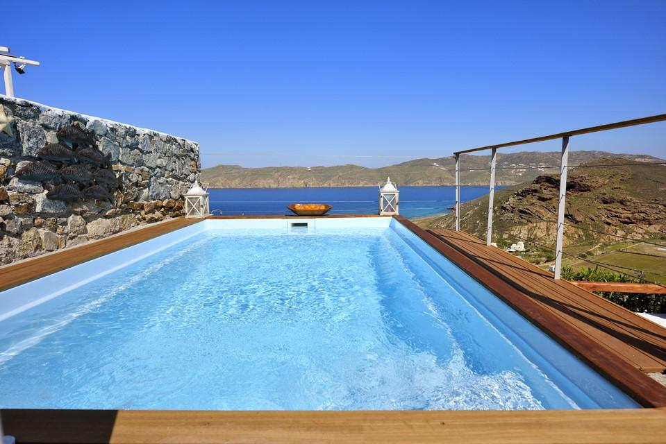 view of the crystal blue sea and nature from the pool with cold water ideal for enjoying the sun