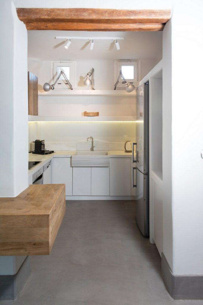 fully equipped kitchen with huge fridge and oven