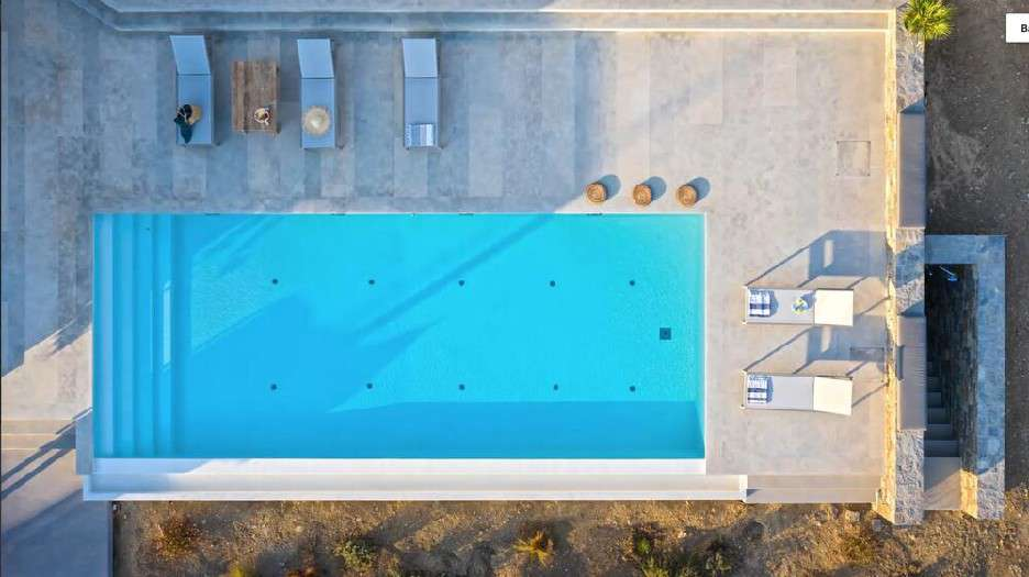 outdoor area to chill and to swim in pool