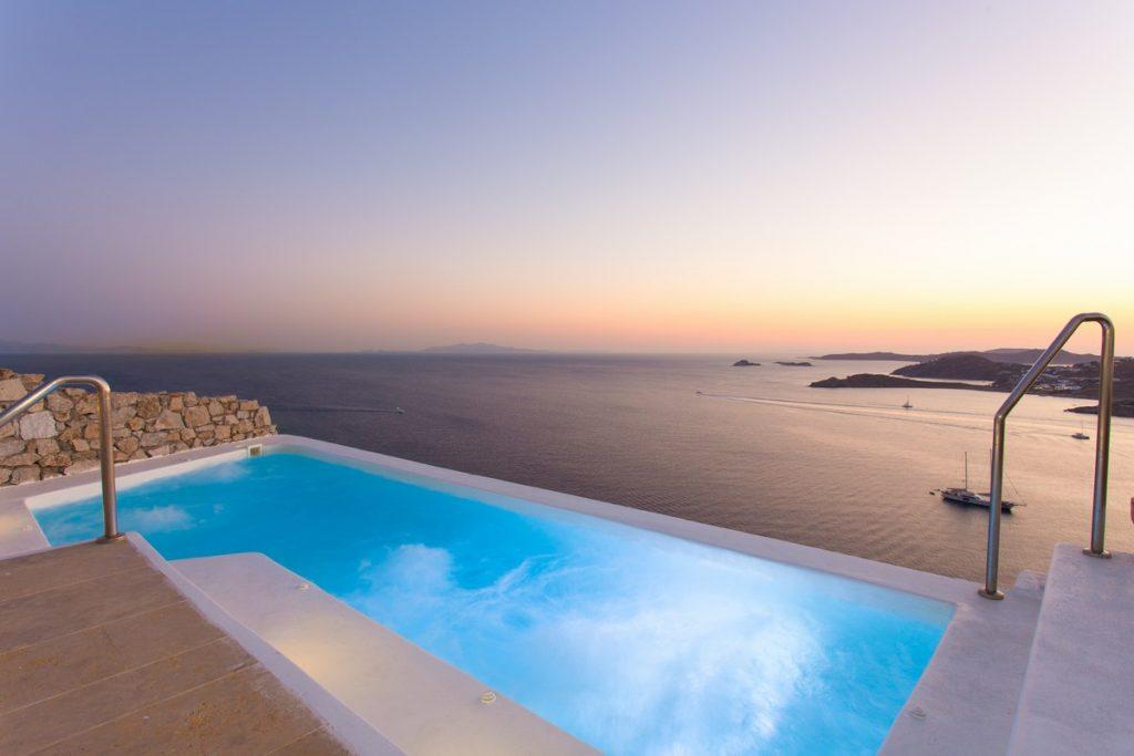 ideal place for a romantic evening from the lighted pool overlooking the enchanting sunset