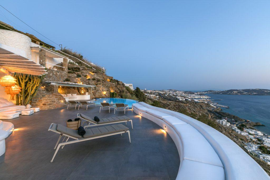 outdoor area with satisfying look on sea and island