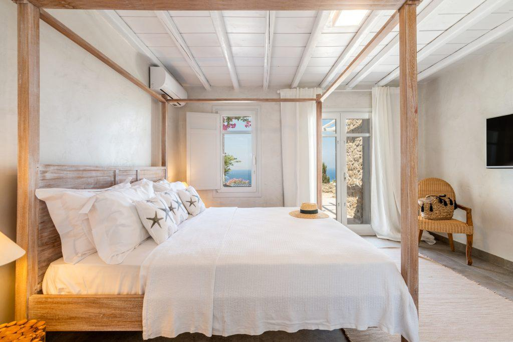 bedroom with sea view and cozy king size bed