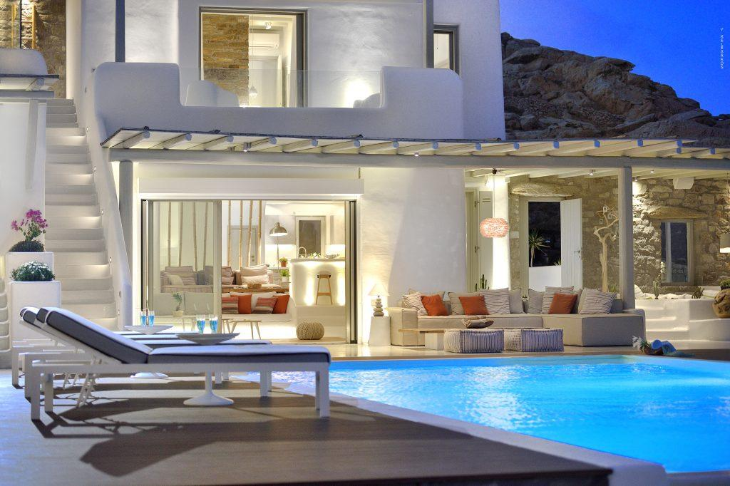 outdoor area with pool perfect for night parties with friends