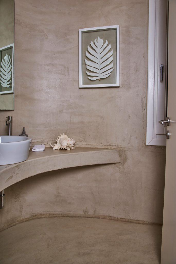 grey luxurious bathroom for washing and cleaning