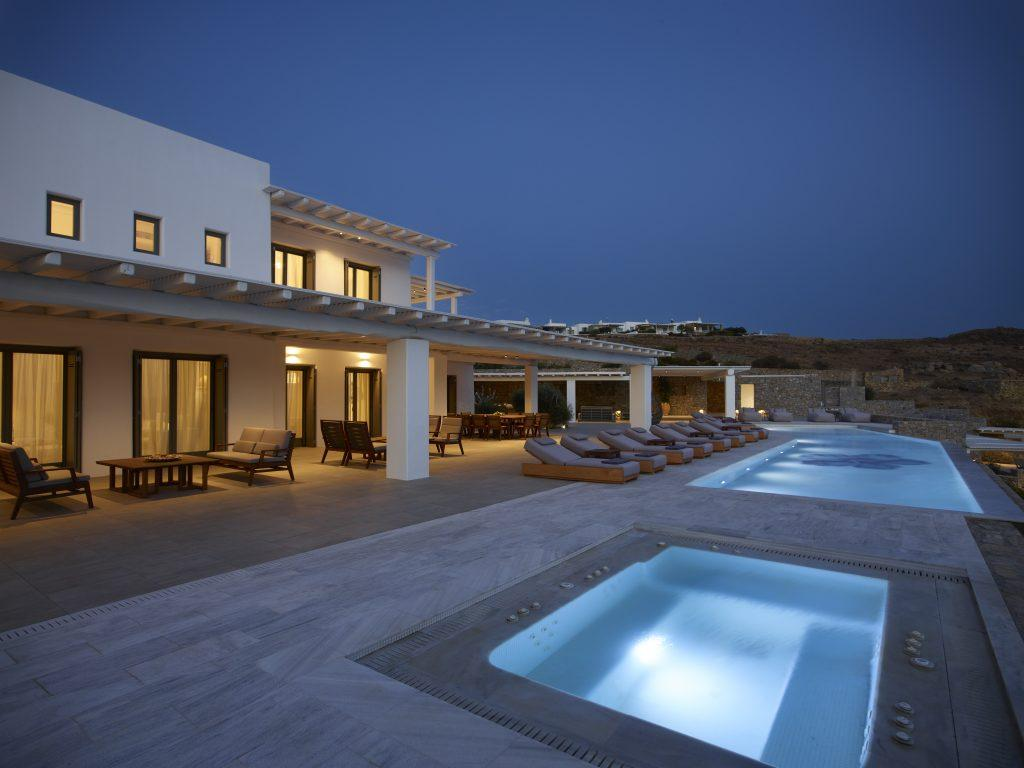 perfect place to throw evening party by the pools