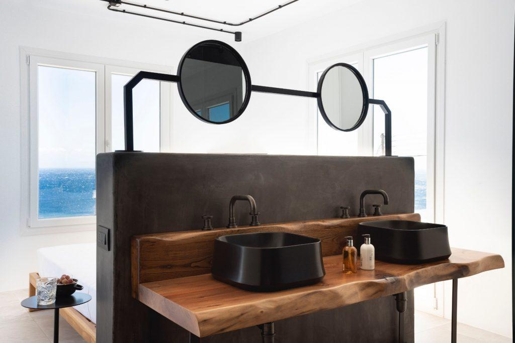 bathroom with beautiful outside view