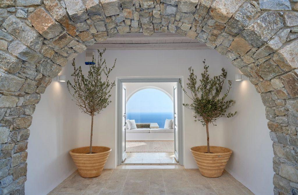 stone passage at the entrance to the courtyard of the villa