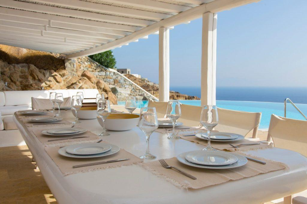 ideal place for a pleasant lunch overlooking the glistening blue sea