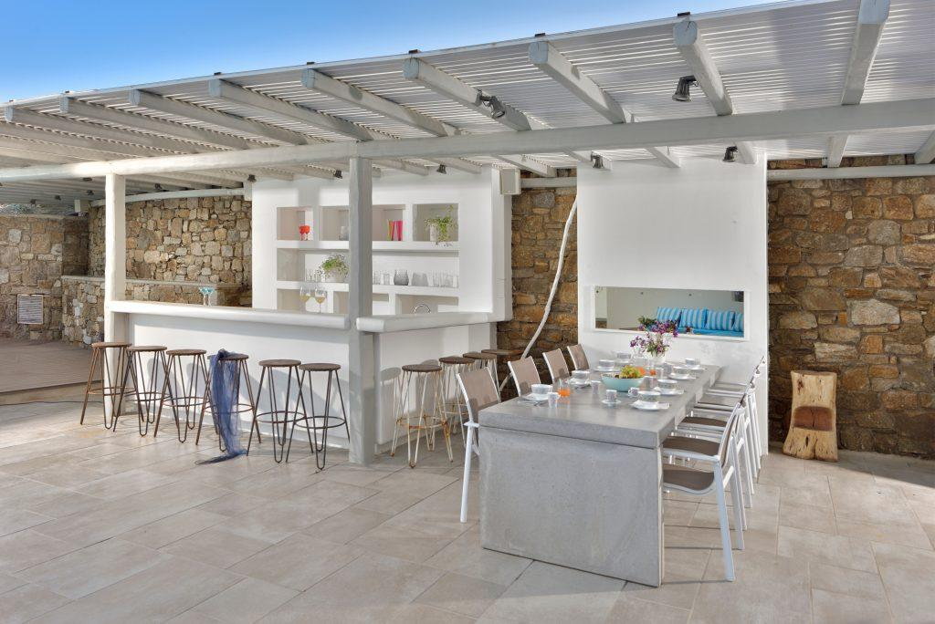 bar and dining table in the courtyard of the villa ideal for enjoying drinks and food