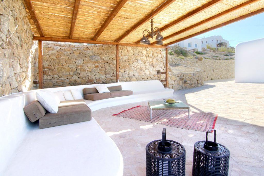 ideal space to enjoy a comfortable garden set with fresh fruit