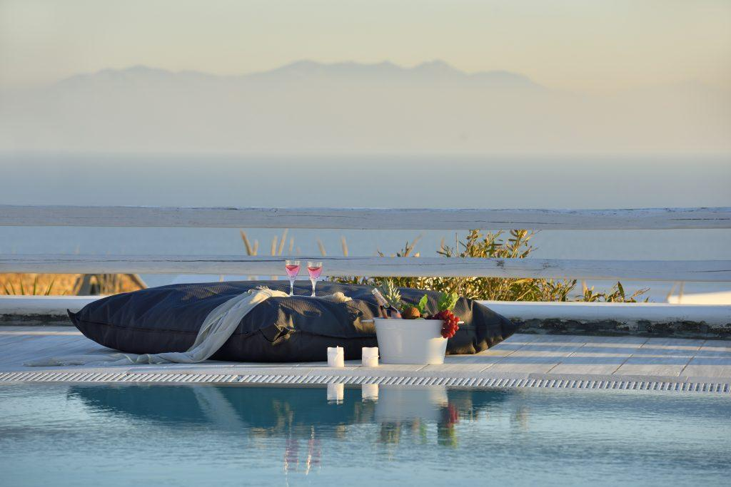 sea view in a comfortable place with champagne and exotic fruits ideal for a romantic evening