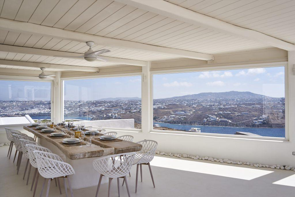 fenced balcony overlooking the sea ideal for lunch with friends