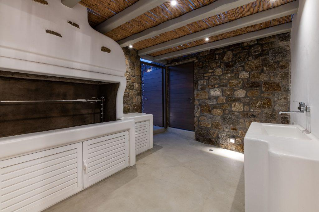 big indoor area to prepare your meals with top notch BBQ and kitchen sink