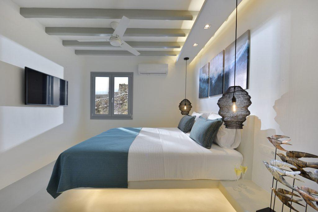 ideal room for two with king size bed and
