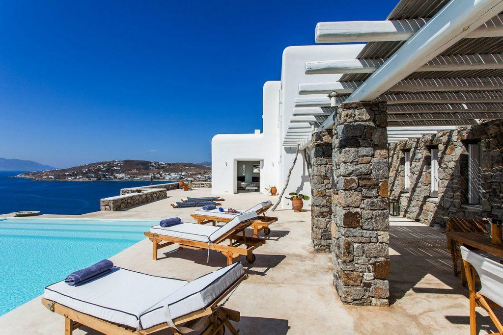 great place to get a tan and relax next to the pool