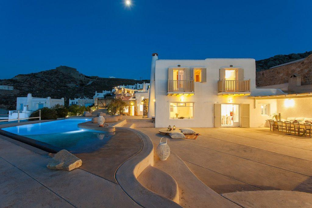 area overlooking the starry sky and the moonlight perfect for a romantic night in the lighted pool